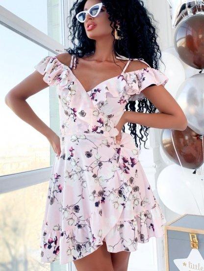 Короткое платье сарафан на бретелях с воланами по плечах с цветами, фото 1