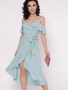 Длинное летнее светлое платье на запах с воланами