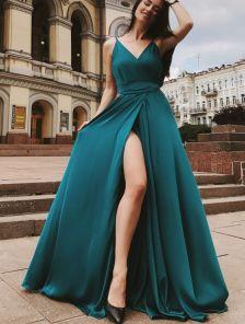 Красивое зелёное платье в пол