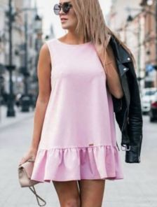 Платье сарафан свободного кроя розового цвета а с оборкой под пояс