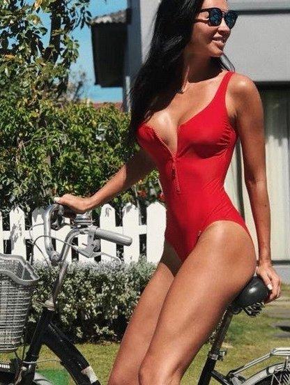 Красный спортивный купальник для бассейна, фото 1
