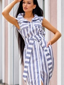 Платье рубашка из льна в полоску длины миди с карманами под пояс