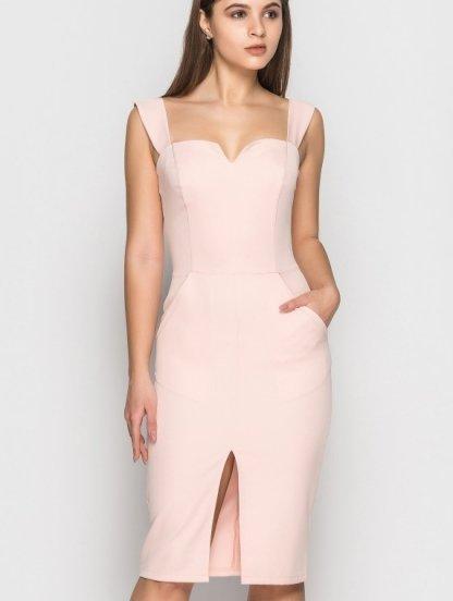 Нарядное розовое платье-футляр с разрезом на груди, фото 1