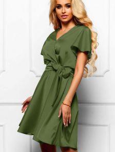 Нарядное короткое шелковое платье цвета хаки с имитацией запаха
