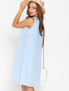 Голубое летнее короткое платье с вставками в полоску длины миди