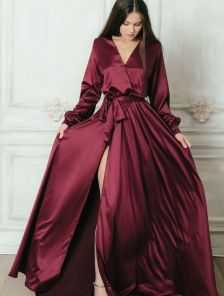 Вечернее шелковое платье винного оттенка