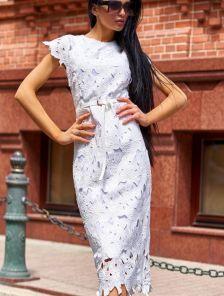 Белое кружевное платье футляр длины миди на подкладке