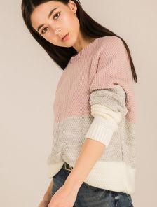 Женский вязаный трехцветный свитер
