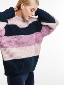 Полосатый женский теплый свитер оверсайз на длинный рукав