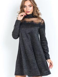 Черное платье трапеция с кружевом на плечах