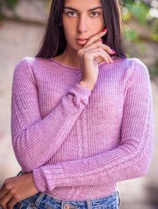 Розовый женский свитер с мягкой пряжи