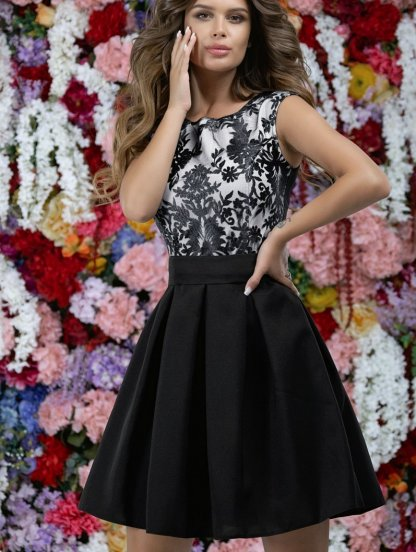 Черное короткое платье с пышной юбкой и цветочным принтом, фото 1