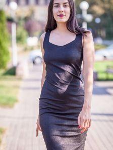 Короткое блестящее платье с люрексом