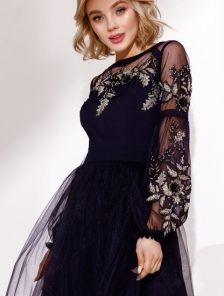 Короткое воздушное кружевное платье с рукавами-фонариками