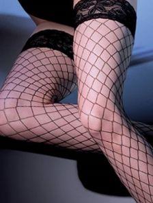 Сексуальные чулки на силиконе в крупную сетку