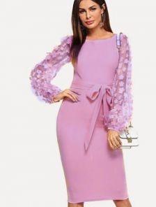 Лиловое платье по фигуре с поясом и шифоновим рукавом