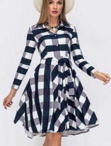 Короткое платье в клетку на длинный рукав с расклешенной юбкой