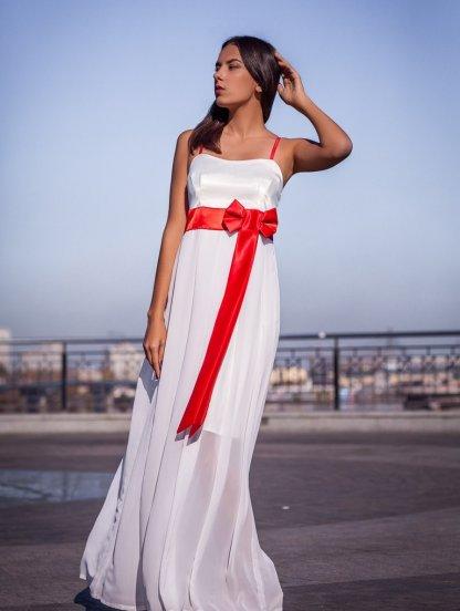 Длинное белое платье с открытыми плечами, фото 1