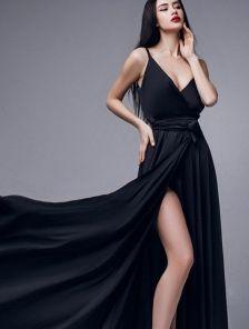 Вечернее черное длинное шелковое платье на бретелях