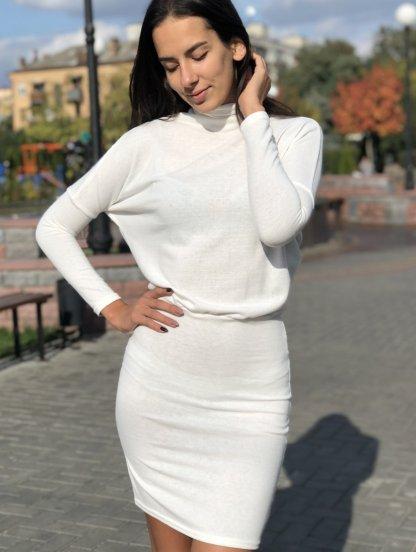 """Теплое зимнее платье белого цвета с рукавами """"летучая мышь"""", фото 1"""