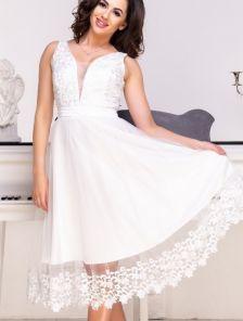 Белое короткое кружевное платье на роспись