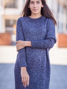 Теплое длинное вязаное платье на зиму