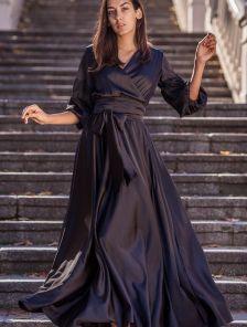 Длинное черное шелковое платье на запах с рукавами фонариками