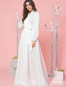 Вечернее белое шелковое платье в пол с длинными рукавами