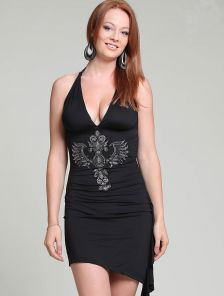 Черное мини платье с камнями стразами