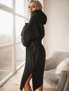 Теплое черное платье с капюшоном