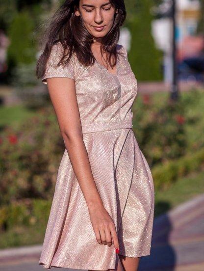 Коктейльное блестящее платье, фото 1