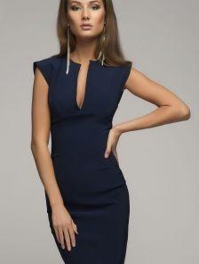 Синее короткое платье футляр с декольте