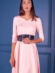 Вечернее светлое платье на длинный рукав