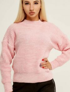 Розовый теплый вязаный зимний свитер с объемным рукавом