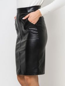 Короткая черная кожаная юбка с карманами