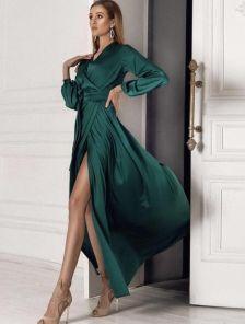 Изумрудное вечернее платье с вырезом