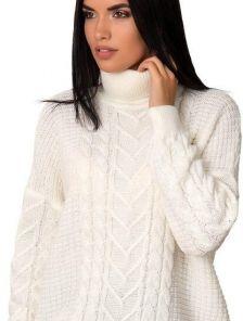 Теплый молочный свитер с горловиной 40%шерсть,10% мохер